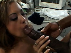 порно картинки: як дівчина займ сексом із хлопцем.