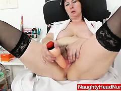 Отец рвет целку дочери смотреть порно