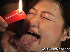 Порно домогание азиатки