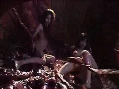 Смотреть бесплатно порно видео сосет член люси лоулесс