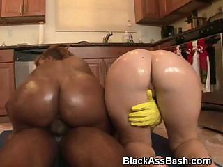 Porno Video of Interracial Big Ass Threesome