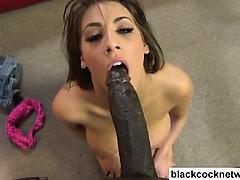 Секс с накаченной телкой видио