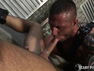 2 huge muscle hunks takes turns fucking mans nice tight ass