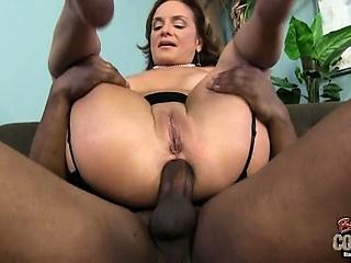 Телка лижет сперму с попки смотреть порно