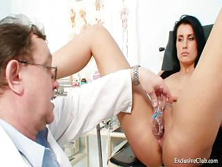 Porno Video of Brunette Princess And Elder Dirty Woman Doctor
