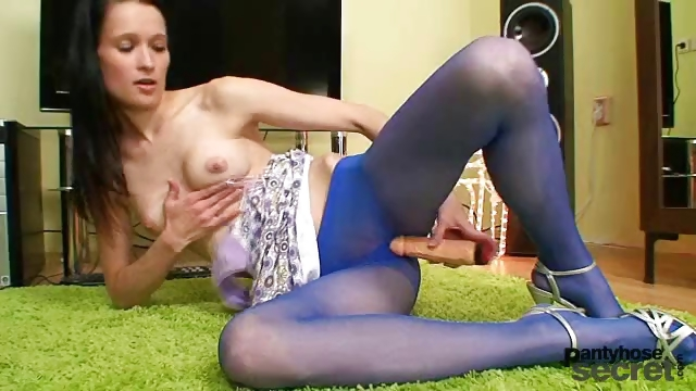 Porno Video of Skinny Teen In Blue Nylon Pantyhose Toys Herself