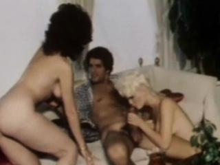 Порно ретро блондинки мамочки пухлые губы анал