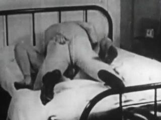 Порно ретро женское доминирование