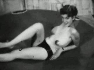 Ретро дамы получают сперму порно видео нарезки
