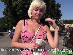 Смотреть бесплатно порно ролики зрелых женщин с молодыми парнями