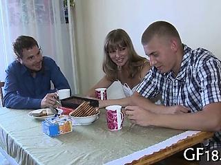 Реальное русское видео первого секса