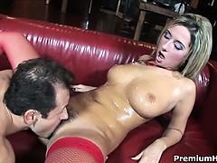 Смотреть порно старые с молодыми врач извращенец