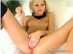 Порно звезда emily