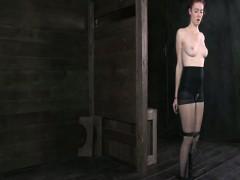 Порно на онлайне негр трахает белую муж смотрит