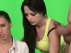 Молодые девочи скбольшиисиськамии порно