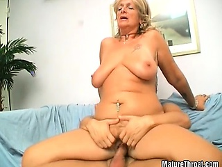 В бане жену друга в жопу