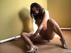 голые бабы на гинекологическом кресле