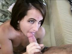 Порно мама сосет сыну большой пенис