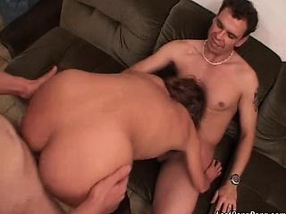 Клубничка с молоденькими смотреть порно