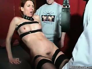 Порно поймали за подглядыванием в душе