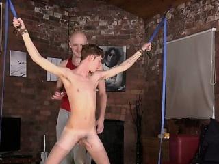 Gay twinks Kieron Knight enjoys to fellate the warm cum foun