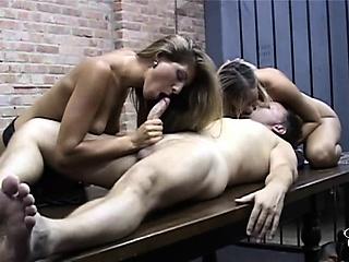 Раб и пизда в сперме смотреть порно