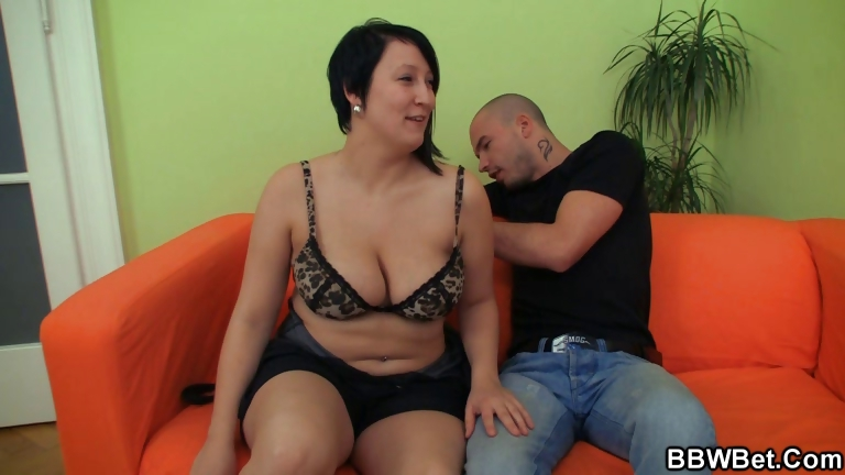Porno Video of He Picks Up Cute Bbw And Bangs Her