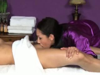 Порно возбудил во время массажа