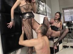 Порно видео жена сосет у мужа