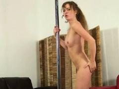 Французское порно видео показывает французский полнометражный порно фильм дом разврата