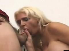 В тренажерном зале гей порно видео