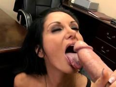 Порно скрытая камера массажном салоне