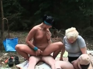 Кончают толпой по очереди в жену смотреть порно