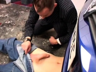 OldYoung gay fucking in the garage