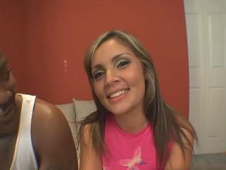 Curvy Latina Anell Lopez