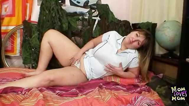 Porno Video of Chubby Blonde Milf Wanda Got Huge Natural Tits