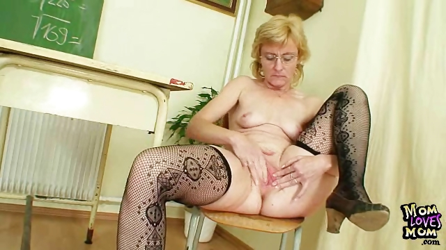 Porno Video of Milf Teacher Nasty Fingering After Having A Class