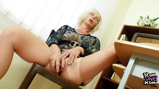 Porno Video of Milf Teacher Loves To Masturbate After School