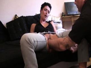 Анальная пробка в попке у парня смотреть порно онлайн