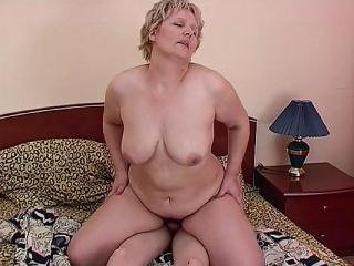Женщина с тропоном удотворяет мужчин смотреть онлайн порно