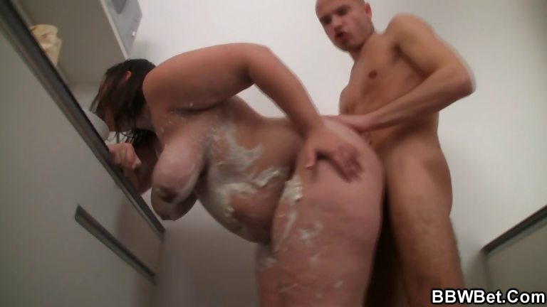 Porno Video of Horny Guy Bangs Cooking Bbw