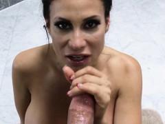 Порно сексуальные киски на шпильках