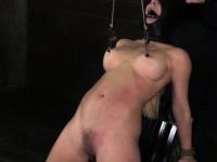 Порно стропон женщина мужчину