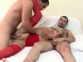 Смотреть порно ролики девушек в чулках