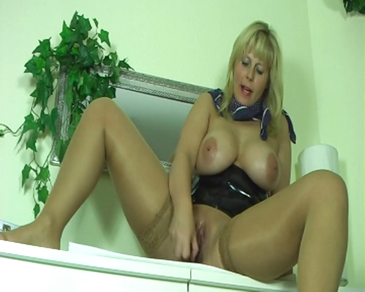 Porn Tube of German Squirt Good 2