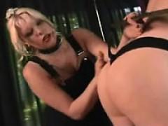 Соблазнила парня в душе секс