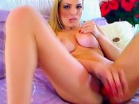 Порно сосёт у себя хуй