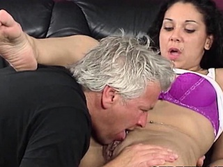 Подарил жене негра натуральное смотреть порно онлайн
