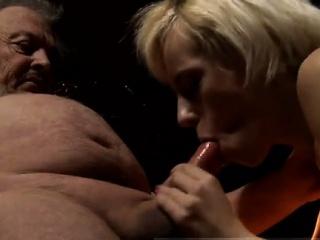 Порно жестокий менет