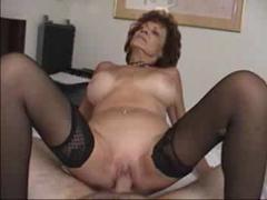 Секс видео ролик с бабулькой